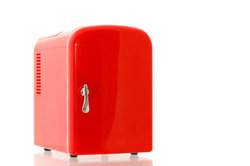 Türanschlag beim Siemens-Kühlschrank wechseln ohne Kundendienst.