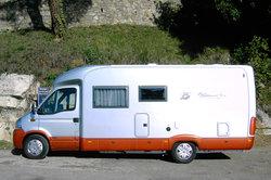Durch Südfrankreich mit dem Wohnmobil - da ist das Bett immer dabei.