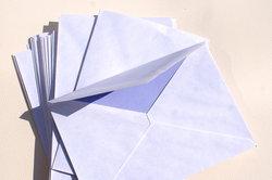Briefumschläge sollten normgerecht beschriftet werden.
