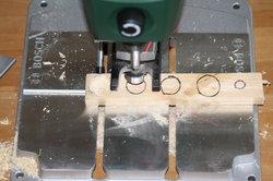 Mit einer Tischbohrmaschine können Sie besonders einfach einen Kapselhalter bauen.