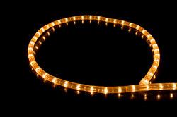 Mit Color-LED-Stripes können Sie leicht indirekte Beleuchtungen selbst erstellen.