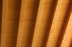 Mit Dämmkeilen den Dachboden isolieren