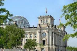 Für die Besichtigung des Reichstages müssen Sie sich anmelden.