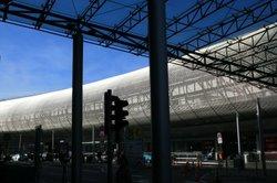 Bei der Ankunft am Flughafen Düsseldorf den Überblick behalten