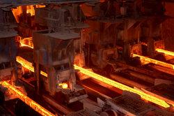 Die Arbeit im Stahlwerk ist hart!
