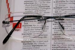 Ein Lexikon hilft, Redewendungen zu verstehen.