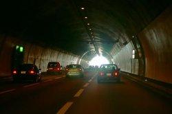 Eine KFZ-Versicherung ist im Straßenverkehr vorgeschrieben.