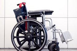 Als Rollstuhlfahrer bekommen Sie einen Behindertenausweis.