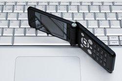 Ein Smartphone können Sie mit einer drahtlosen Tastatur verbinden.
