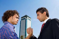 Auch in Arbeitsverhältnissen kann es zum Streit kommen.