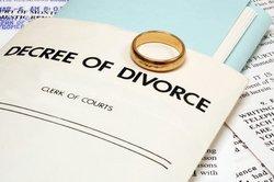 Online-Rechner geben Ihnen den etwaigen Unterhalt nach einer Scheidung an.