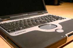Mit einigen Handgriffen können Sie die Grafikkarte an Ihrem Laptop austauschen.