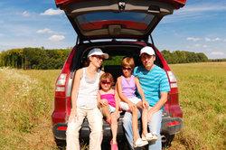 Gesetzliche Krankenversicherung bietet für Ehepartner und Kinder kostenlose Mitversicherung.
