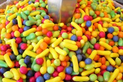 Die Figur können Sie zum Beispiel mit Süßigkeiten füllen.
