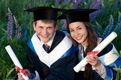 Akademiker ist jeder, der erfolgreich ein Hochschulstudium absolviert hat.