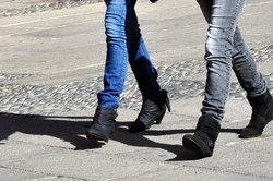 Verlängern Sie Ihre Beine mit der richtigen Kleidung.