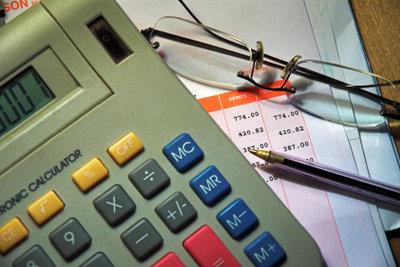 Bei Steuererklärung können Sie Ihre Einkünfte um den Steuerfreibetrag vermindern.