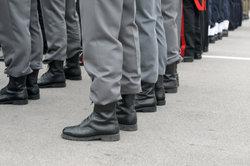 Selbst als Verkleidung können sich Ausrüstungsgegenstände der Bundeswehr nützlich machen.