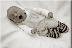 Neugeborenenperiode ist anstrengend für Baby und Mutter.