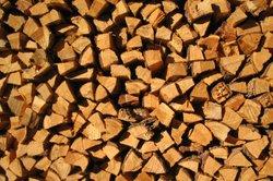 Holz ist ein wertvoller Rohstoff.