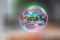 Der Text wird in sogenannten Sprechblasen dargestellt.