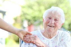 Examinierter Altenpfleger ist ein Ausbildungsberuf.
