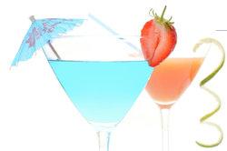 Romulanisches Ale kann im Cocktailglas gereicht und wunderschön verziert werden.