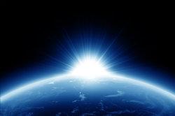 Die Erde dreht sich schnell.