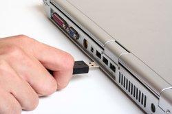 Zum Aufladen benötigen Sie ein USB-Kabel.