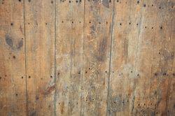 Rostflecken auf Holz können entfernt werden.
