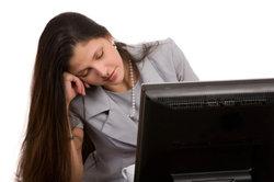 Nachts arbeiten macht viele Menschen müde.
