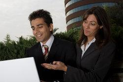 Bei Jobwechsel die Verabschiedung der Geschäftspartner seriös abwickeln