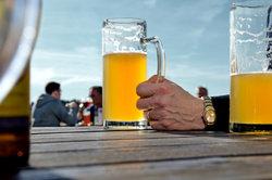 Nicht nur für Bier wird mit englischen Slogans geworben.