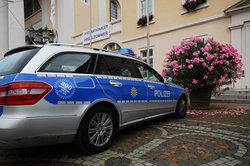 Der Unterschied von Ordnungsamt und Polizei zeigt sich im Blaulicht.