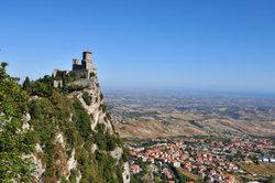Der Zwergstaat San Marino ist eine waschechte Enklave.