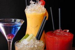 Alkohol beeinflusst den Blutzuckerspiegel und damit das Hungergefühl.