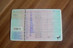 In Deutschland gilt die Führerscheinmitführpflicht.