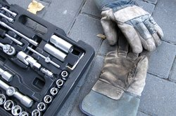 Für den Einbau eines Katalysators ist einiges an Werkzeug nötig