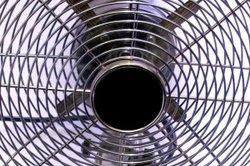 Ein Ventilator bewegt die Luft.