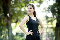 Die richtige Haltung verhindert Muskelkater an der Schulter nach dem Joggen.