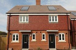 Solaranlagen auf dem Dach sparen nicht nur Geld.