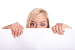 Gestalten Sie Ihr individuelles Praktikums-Plakat.