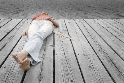 Die Bauchatmung löst Verspannungen und baut Stress ab.