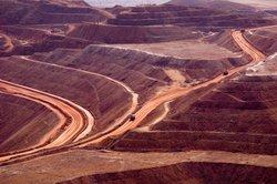 Kupfer wird in Minen abgebaut.