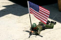 Schlüpfen Sie mit Medal of Honor Pacific Assault in die Rolle eines amerikanischen Soldaten.