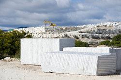 Granit als Randstein einsetzen
