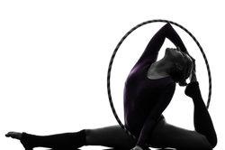 Hula-Hoop trainiert viele Muskelpartien.