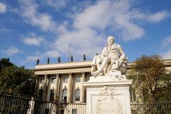Eine Uni mit Tradition ist die Humboldt-Universität in Berlin.