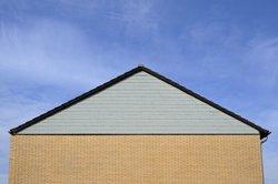 Winkel gibt es auch an Hausdächern.