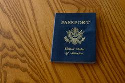 Für den Aufenthaltstitel benötigen Sie den Reisepass.